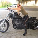 Harley Fahrerin sucht Begleitung für schöne Ausfahrten und Reisen mit dem Moped